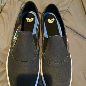 Nike sb black and army size 14 slip on